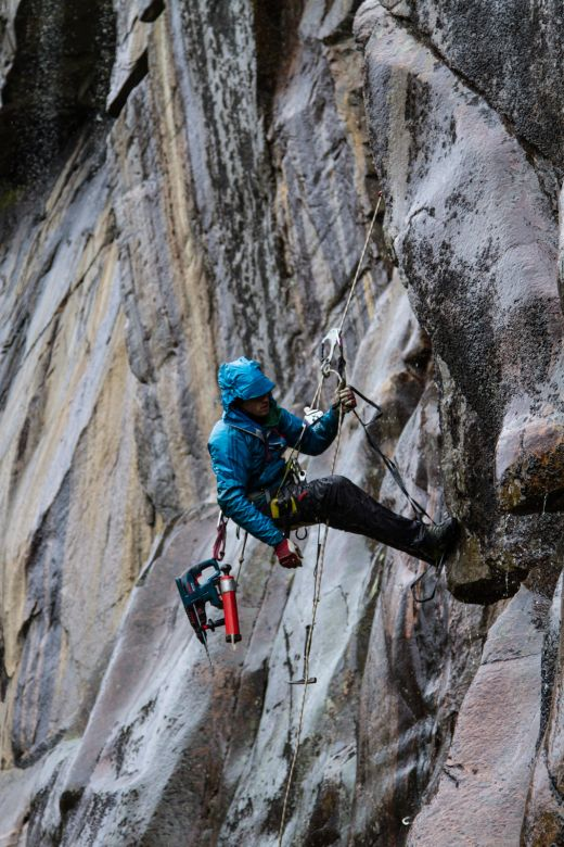 "Jochen Perschmann gelang in Norwegen die Erstbegehung von ""Crack the back"" (8c) - Fotocredit: adidas Outdoor"