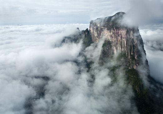 Ostseite des Cerro Autana - Fotocredit: Berghaus
